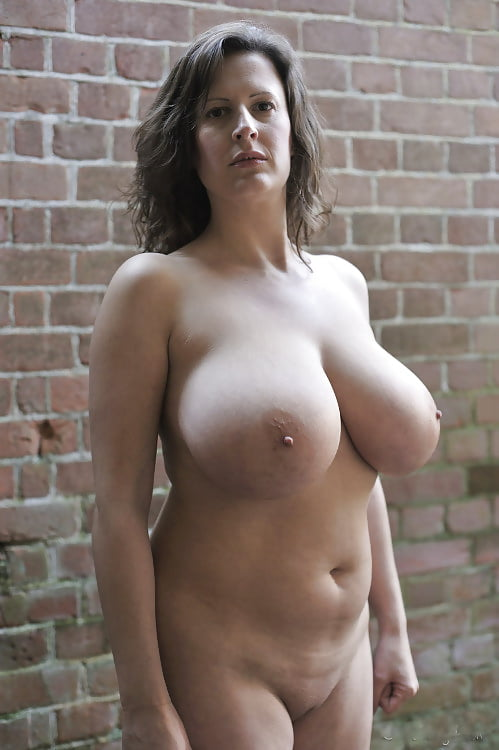 Big breasted nude mature women-6778