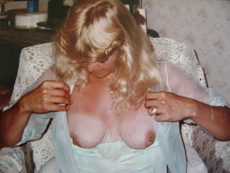 Vintage wife Lora - 19 Pics