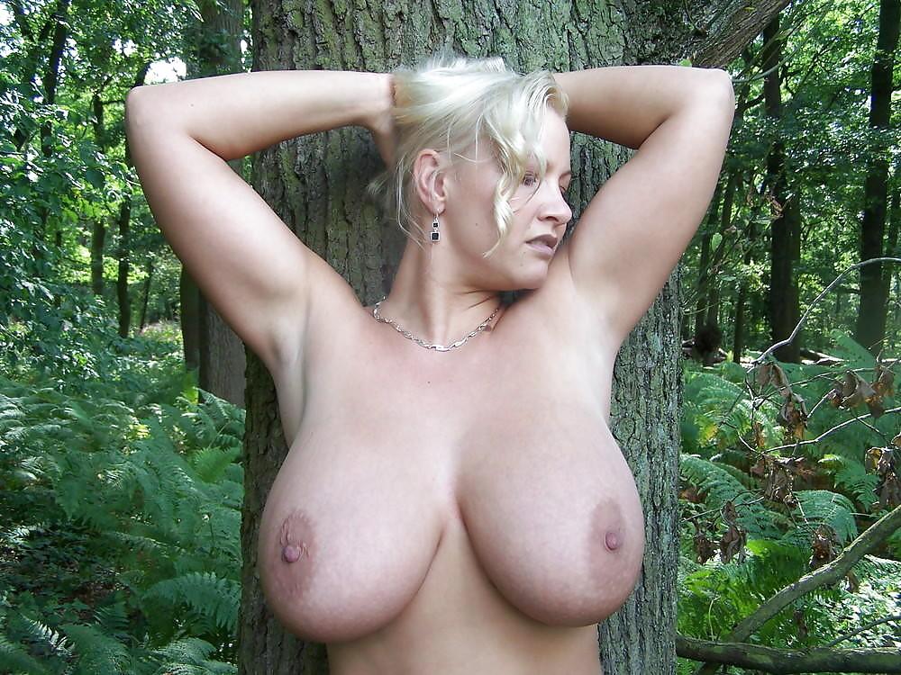 Деревенские сисястые телки порно, смотр секс ролик старая азиатка с молодым на природе