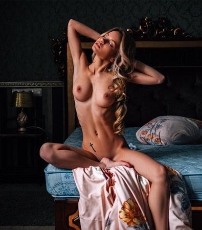 Nude celebrity on tumblr