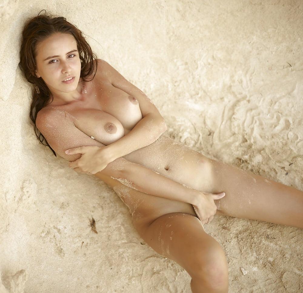 sexy-sandy-bay-area-bondage-shows