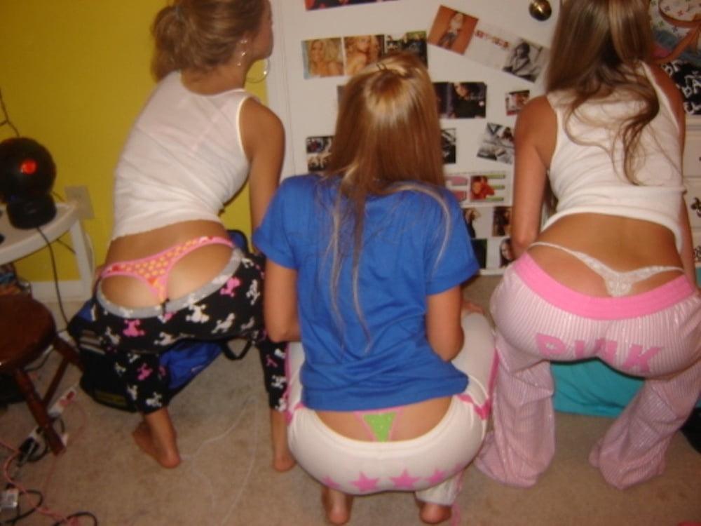 girls-mooning-fuck-yeah-nicki-minaj-real-nude-photos