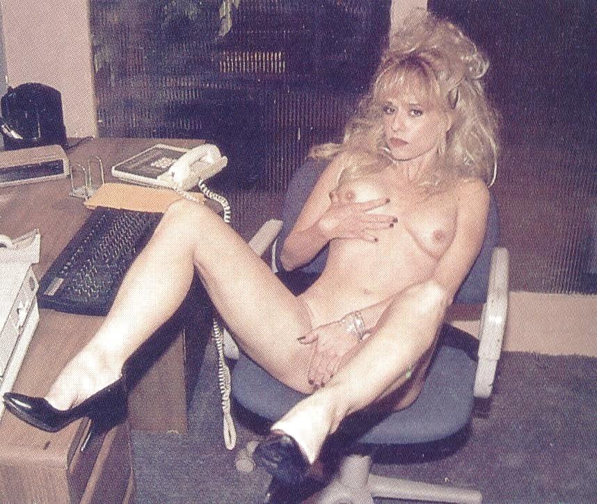 Boobs Linnea Quiggley Nude Jpg