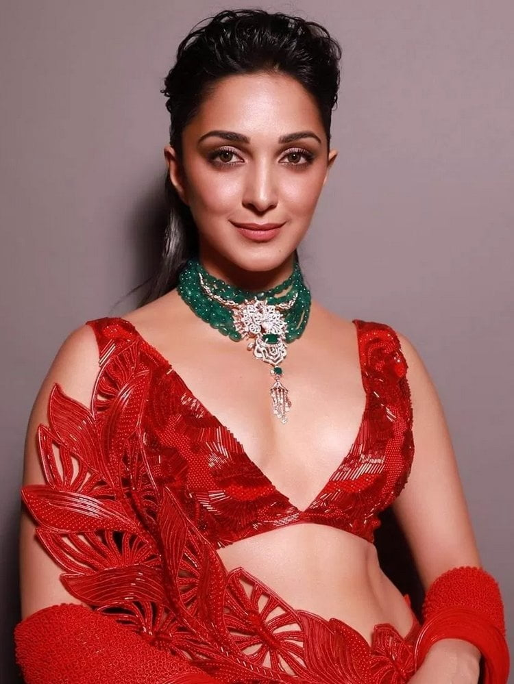 Kiara Advani Sizzles in Red - 24 Pics