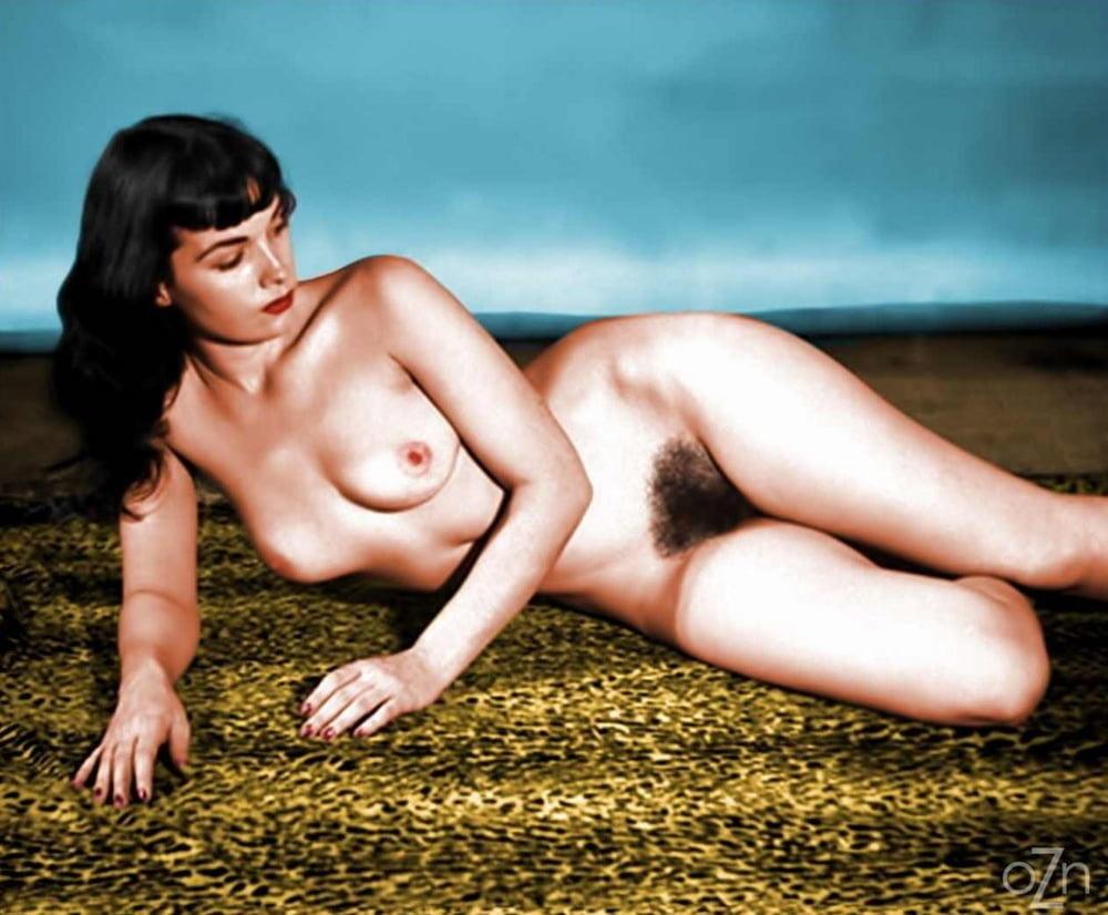 Vintage Nude Bettie Page Poringa