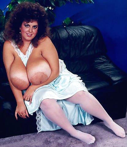 susie-sparks-big-tits-big-tits-juicy-nipples