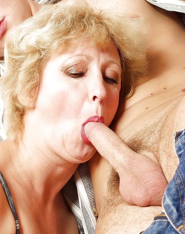 порно фото пожилая женщина сделает минет тому