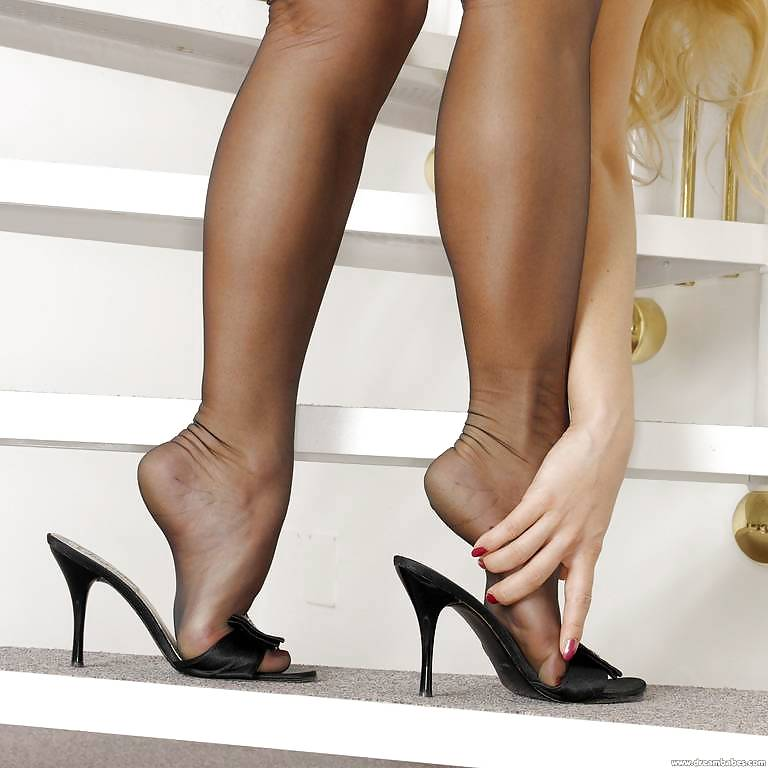 Pin On Sexy Nylon Feet