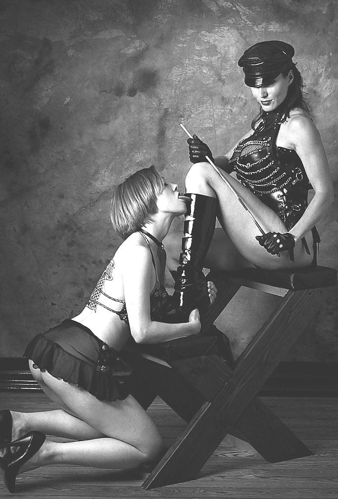 госпожа на рабыне - 2