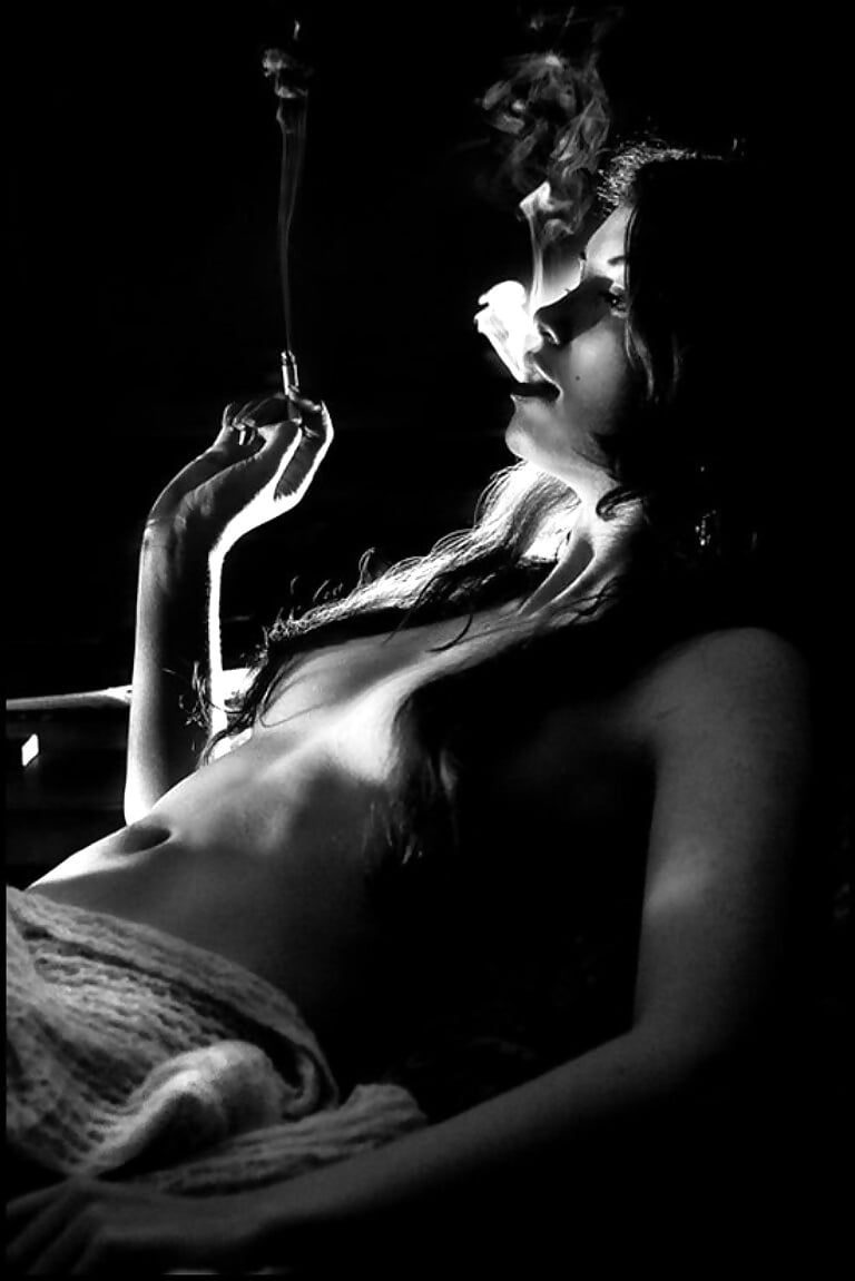 naked-girls-smoke-cigarettes-video-devinn-lanenude