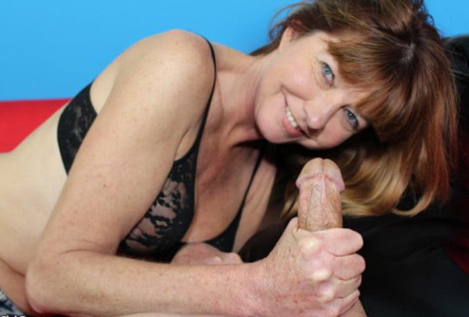 carly-nude-free-milf-handjob-gallery