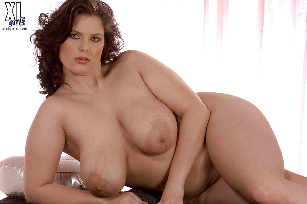 Full figured curvy women naked