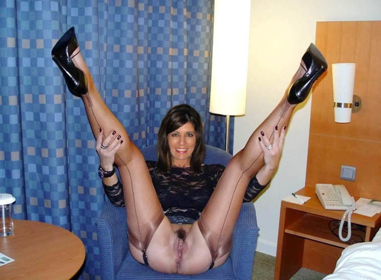 Mature Moms Exposed - 11 Pics