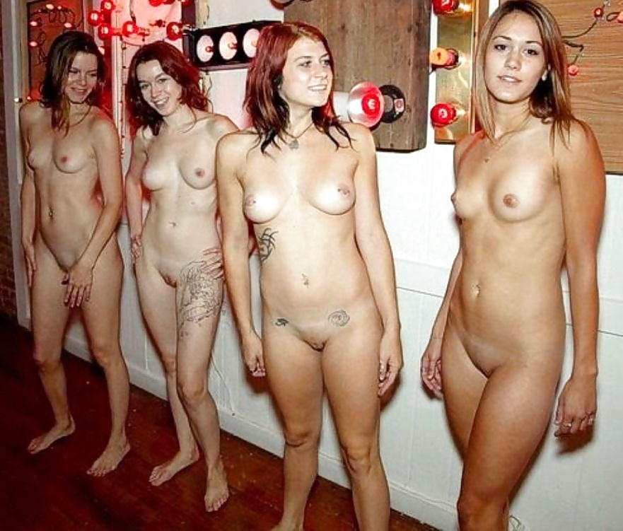 Hot Group Of Drunk Young Amateurs Going Fully Nude