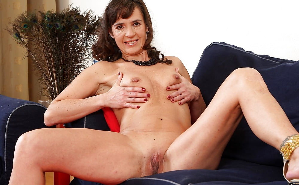 Loan4k suzie sun takes blouse off and gives titjob to - 2 part 1