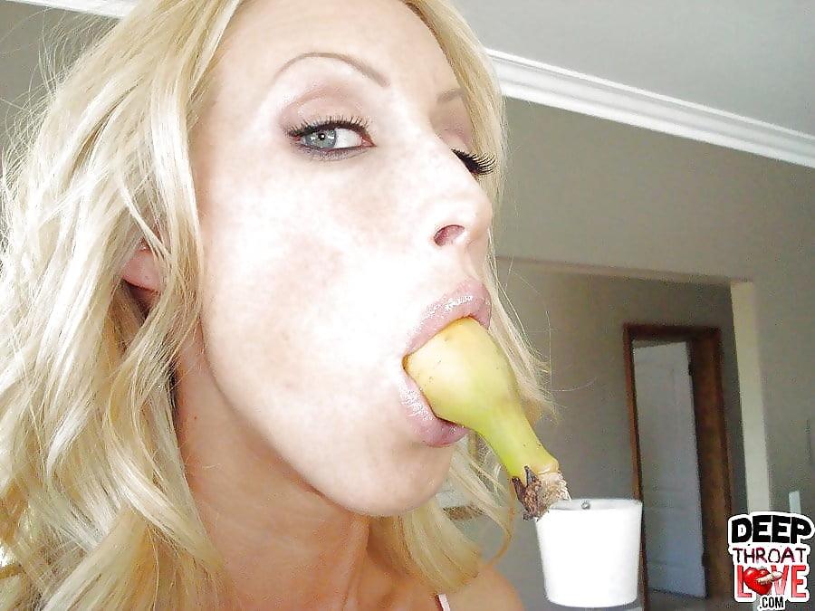 banana-deep-throat-woman-pornstar-dakoda-brookes