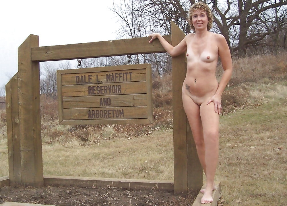 Des Moines Neighbor Girl Letting Me Image Her Naked For Amateur Porno Casting