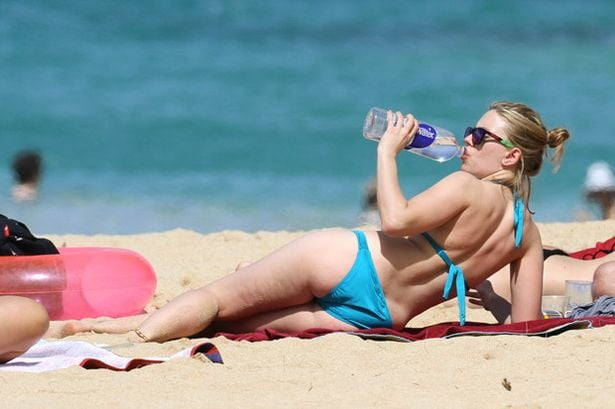 Scarlett johansson bikini photos-9768