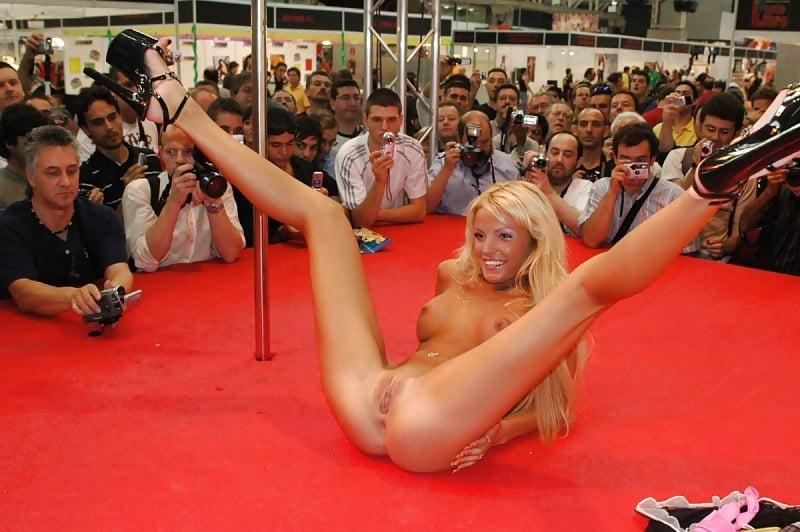 sexy-amateur-striptease-video-jennifer-lopez-xxx-nuda