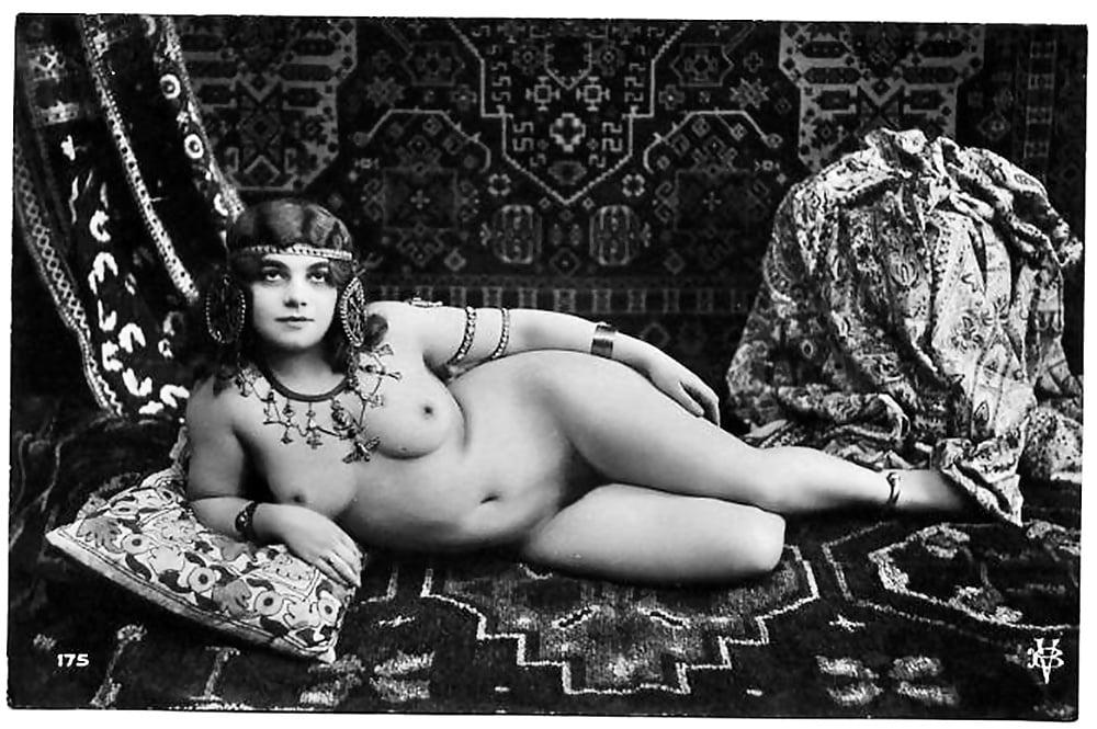девушки них голые женщины в старину фото пизда