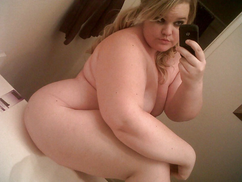 naked-fat-girl-in-mirror