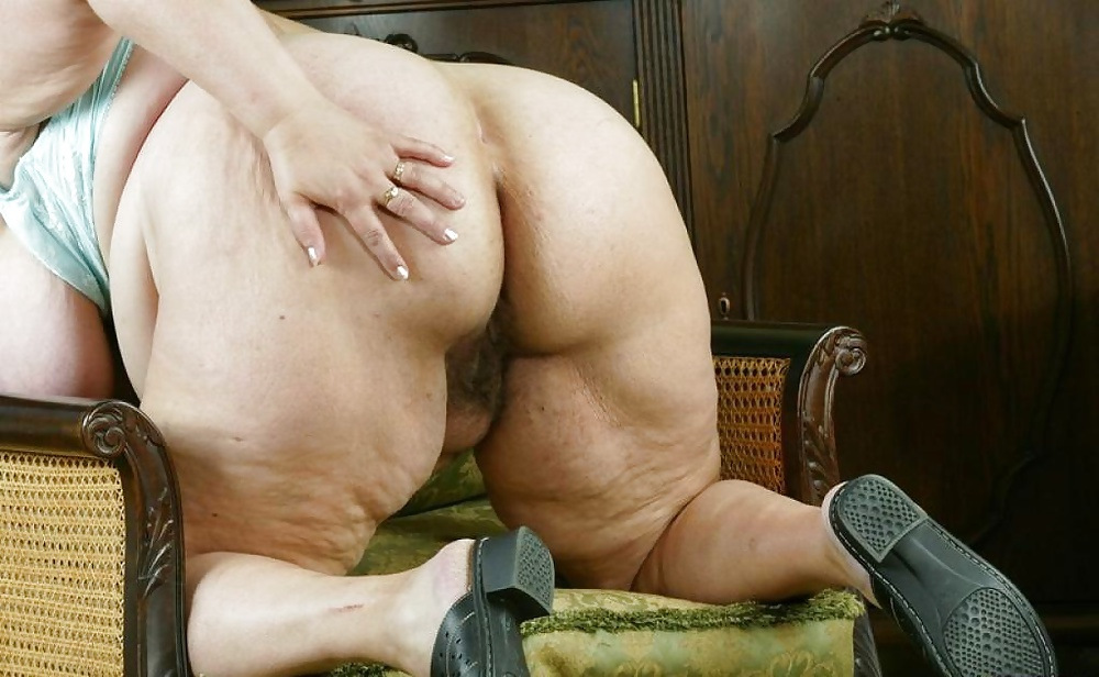 Толстая старая жопа видео