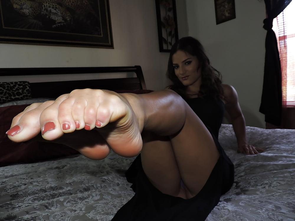latina-foot-fetish-site