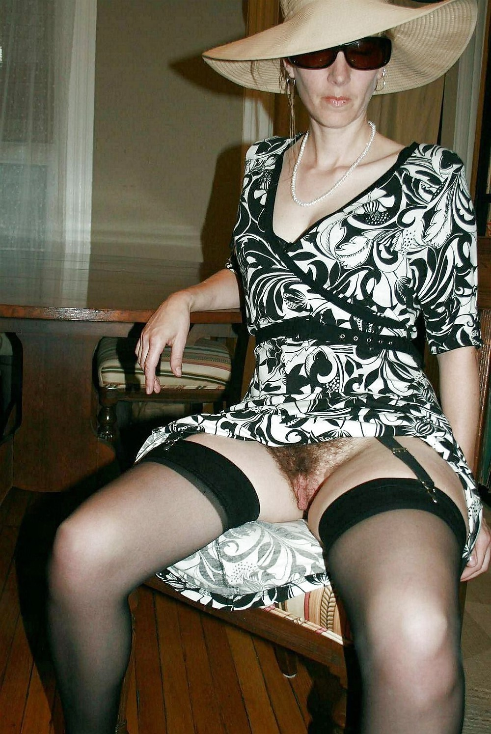 upskirts galleries English photo
