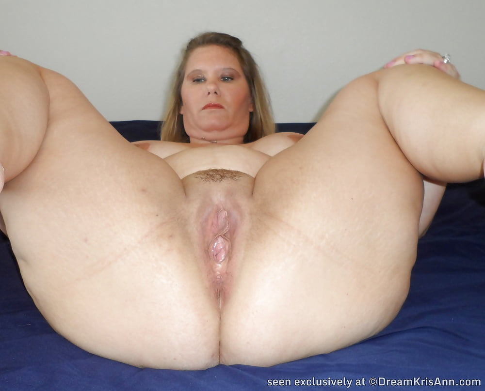 Deep Up Inna Her Tight Pussy