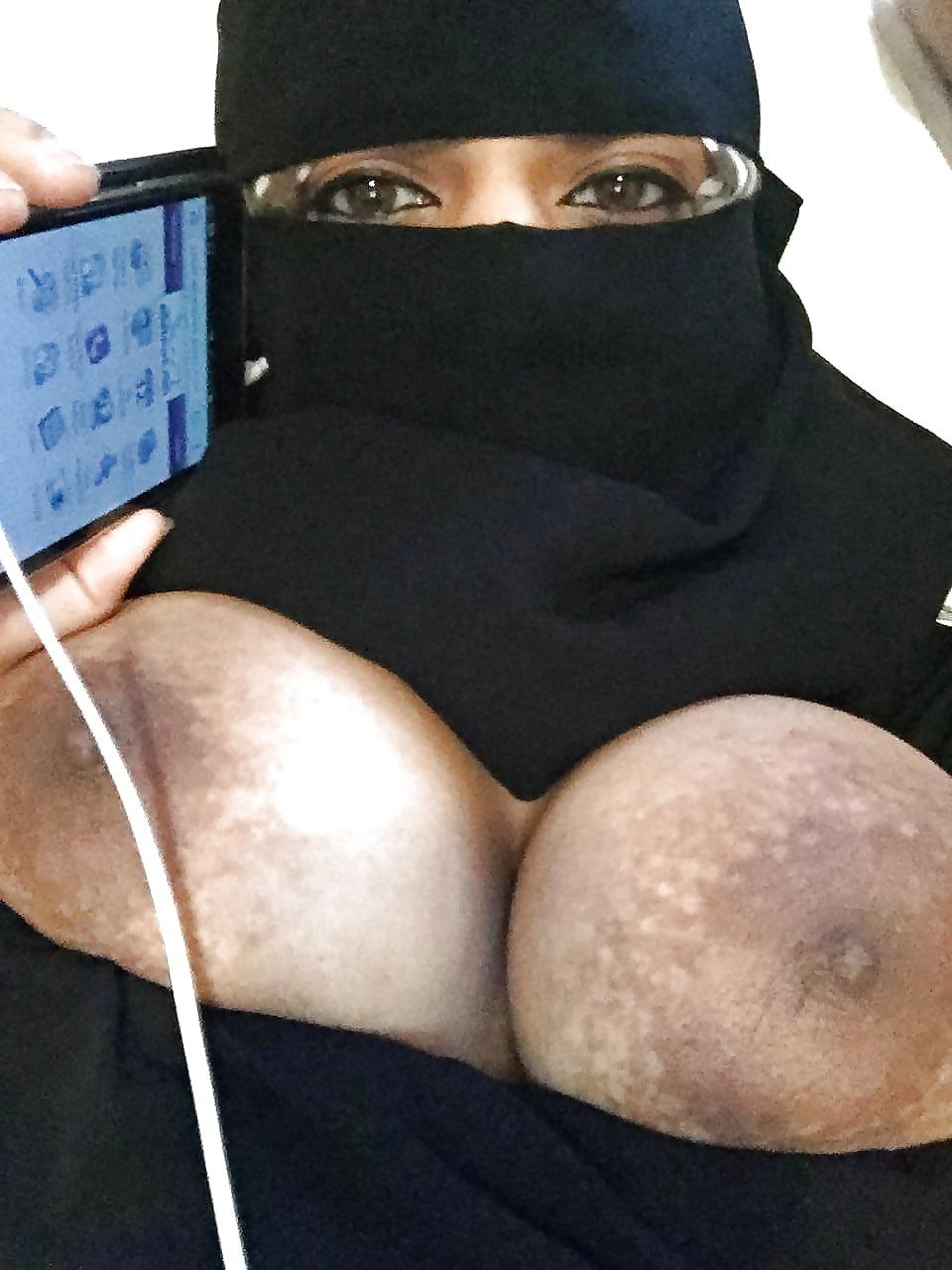 Saudi arabian naked