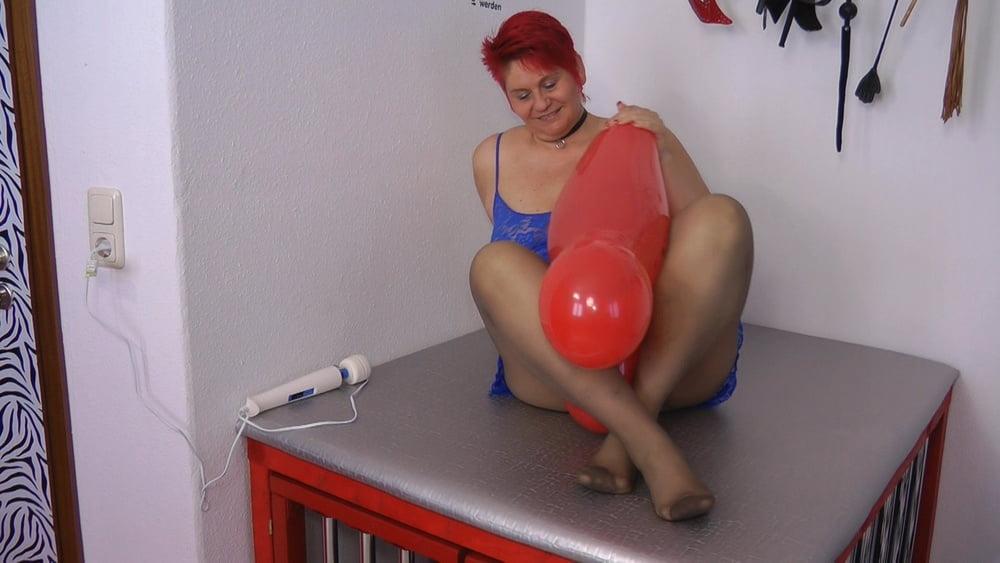 User wish - pantyhose and balloon - 15 Pics