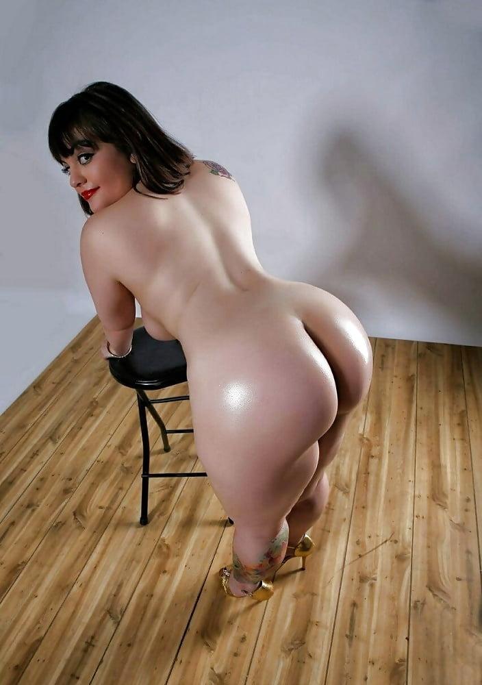 Big tits small waist porn pics