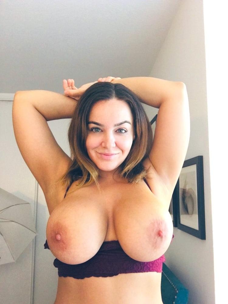 Tits Twitter