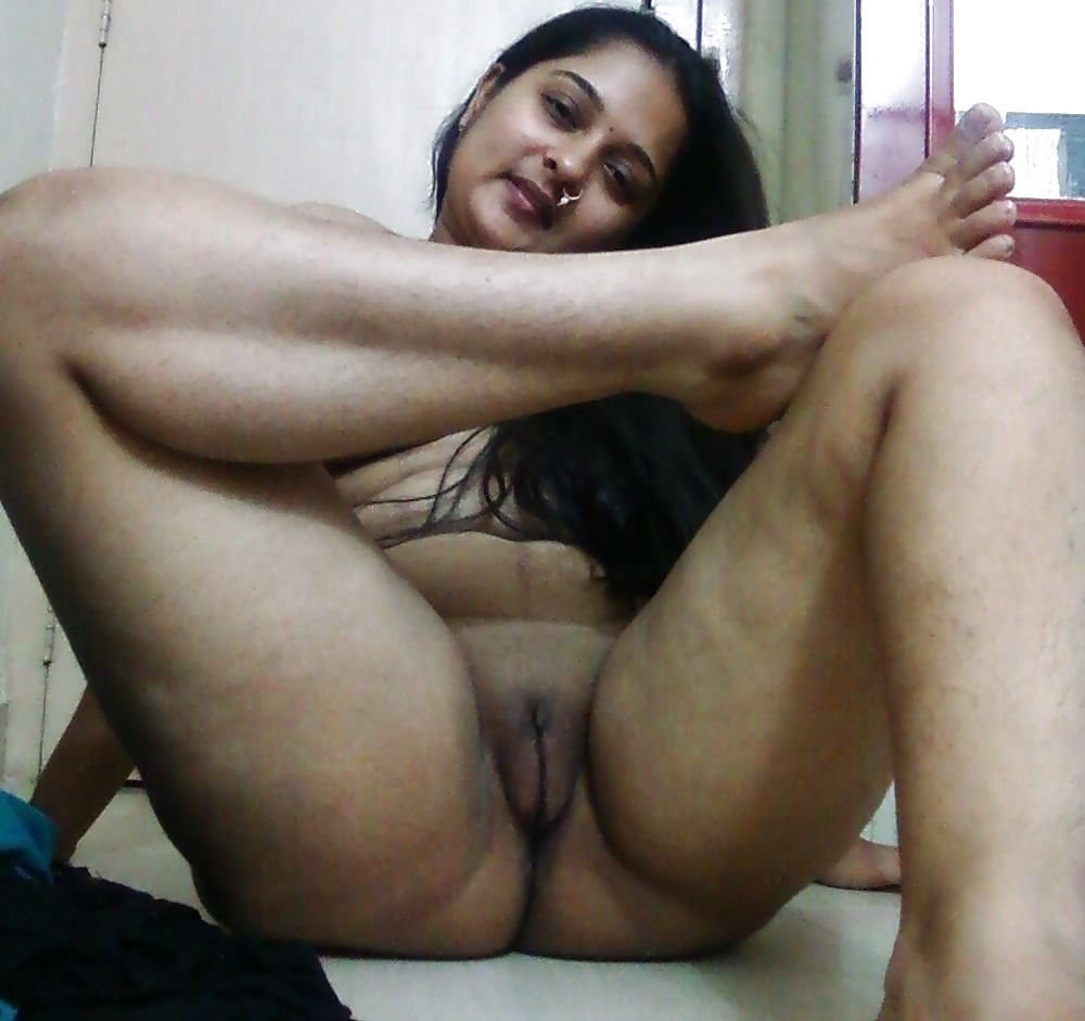 Desi girls nude videos, huge tits bubble butt