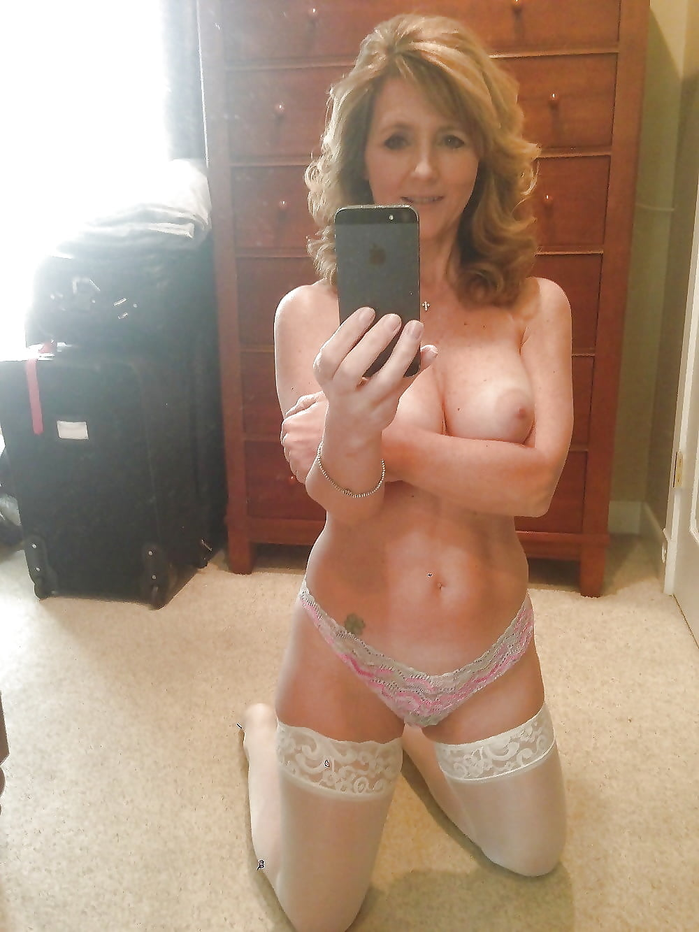 sexy-nude-milf-selfshots-amatuer-penis-blowjob