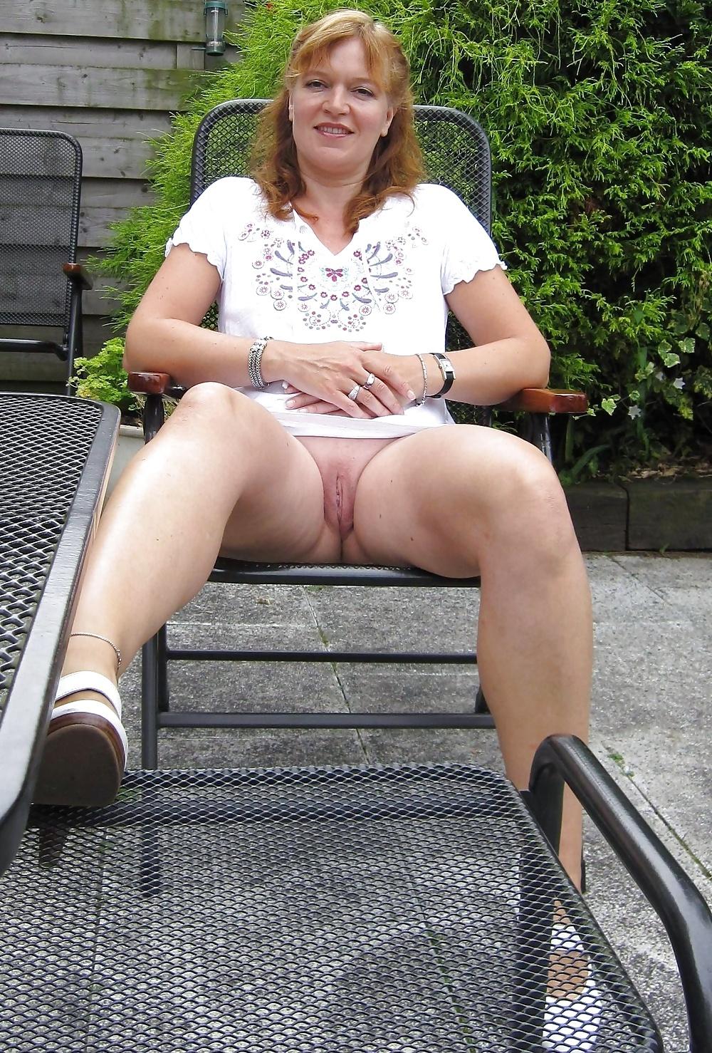 mature-women-upskirt-tease-tube