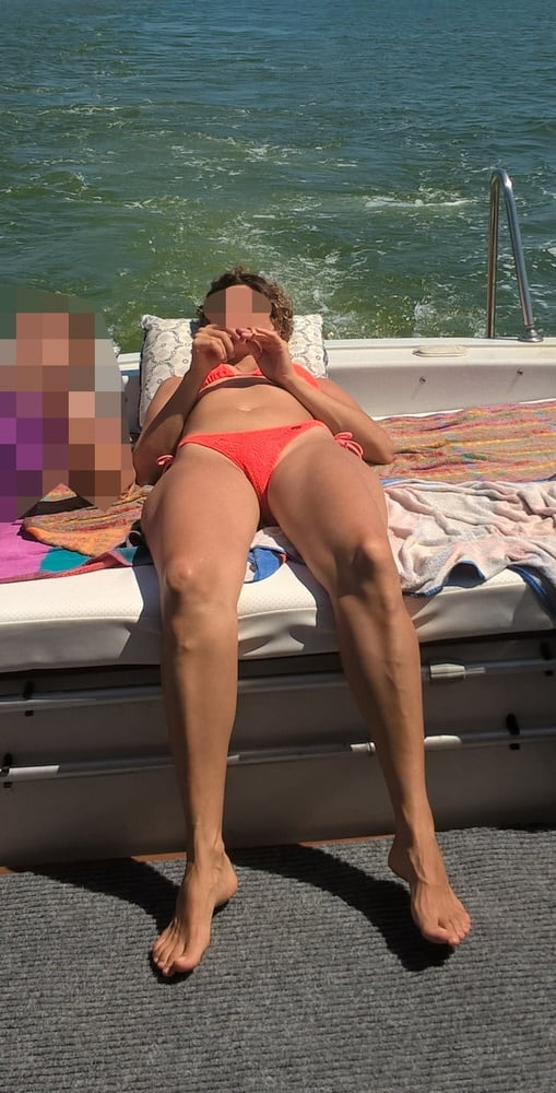 friends-wife-in-bikini-video