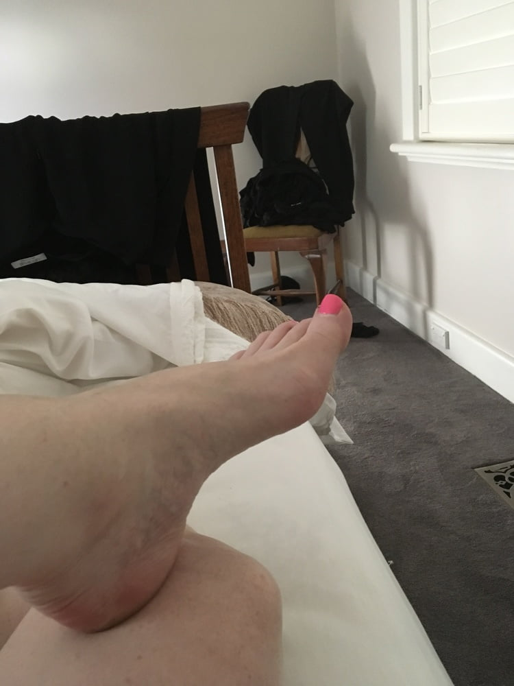 Love toes sucked