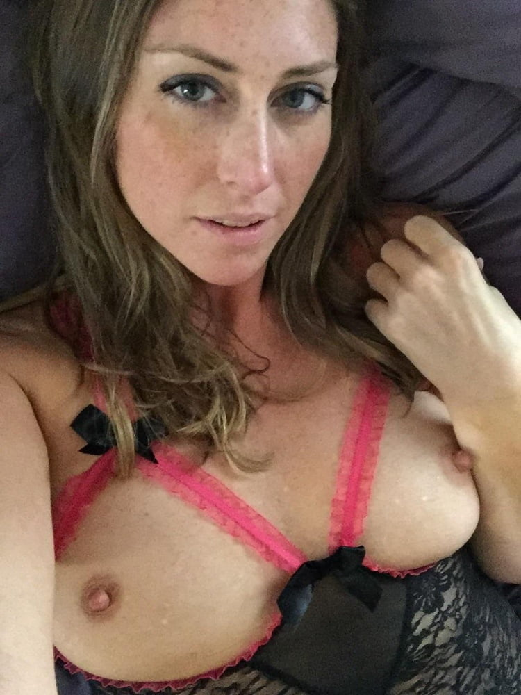 Tits of all Sizes 10 - 33 Pics