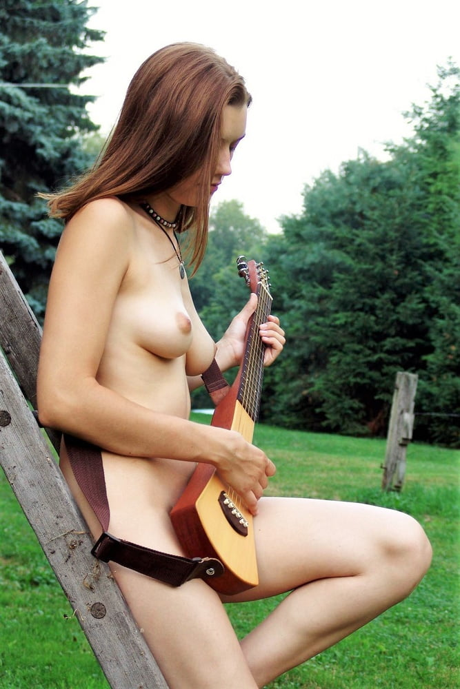 Naked country singers
