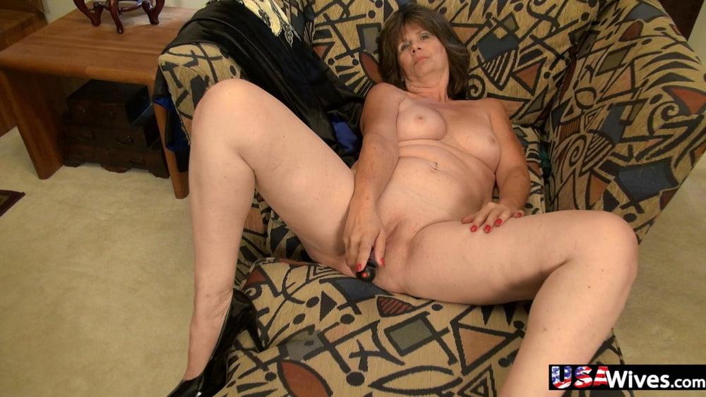 Hot babes with big natural tits-3646