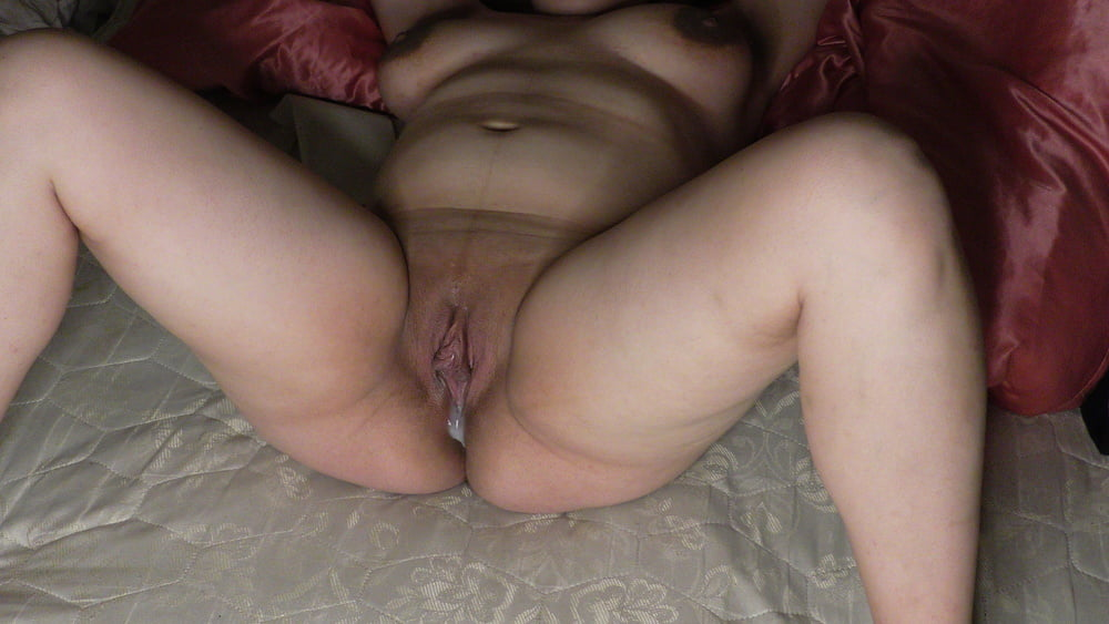 Milky Maris perfect shaved and creampied pussy close up!
