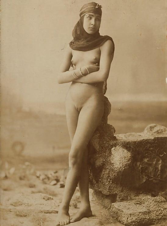 Fellah Girl, Cairo, Egypt, Circa 1885-1890 - 1 Pics -9897