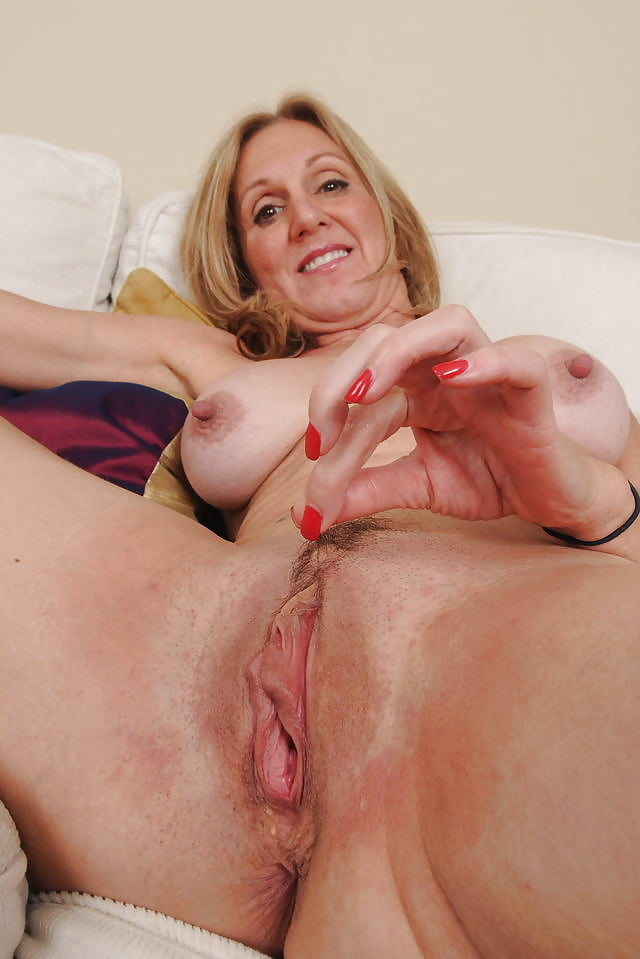 Milf shaving pussy red tube, swinging brick no heart expression