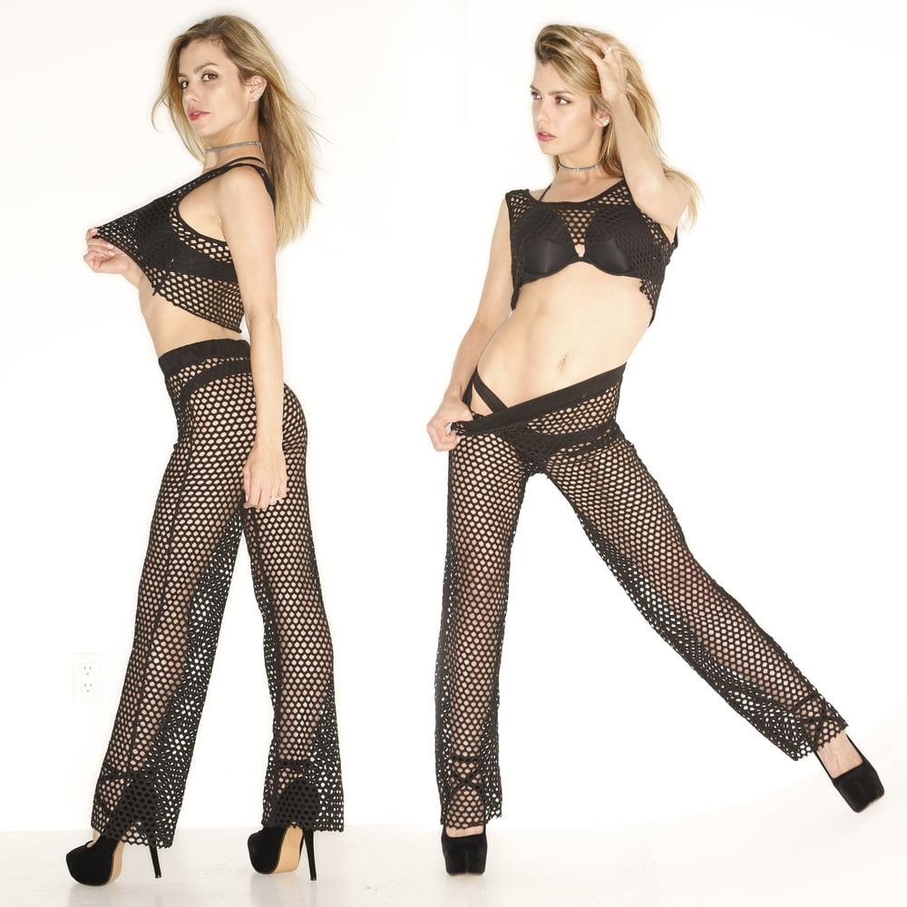Stephanie Lusks Thongs For Toronto Sun - 18 Pics