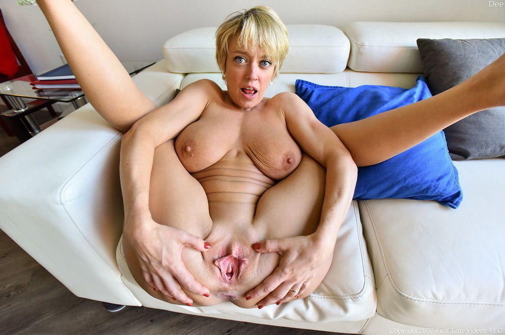 Mature spreading video, free mature hottie video