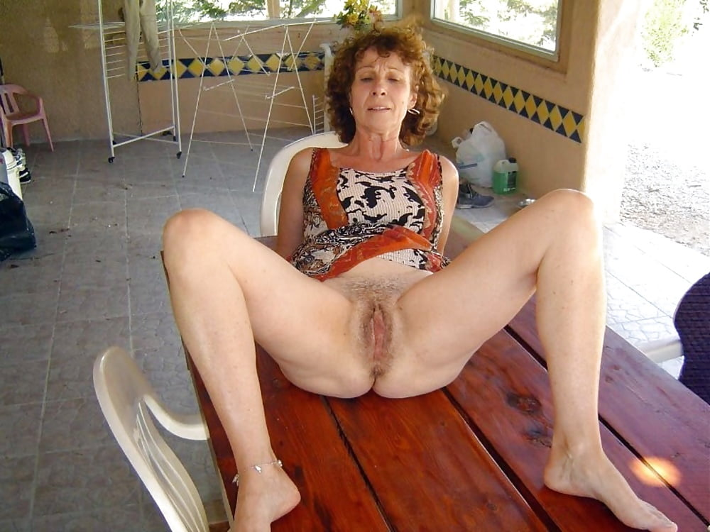 Older amateur nude — pic 5