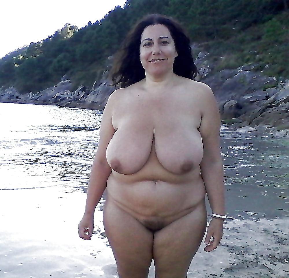 nude-women-nude-beaches-chubby