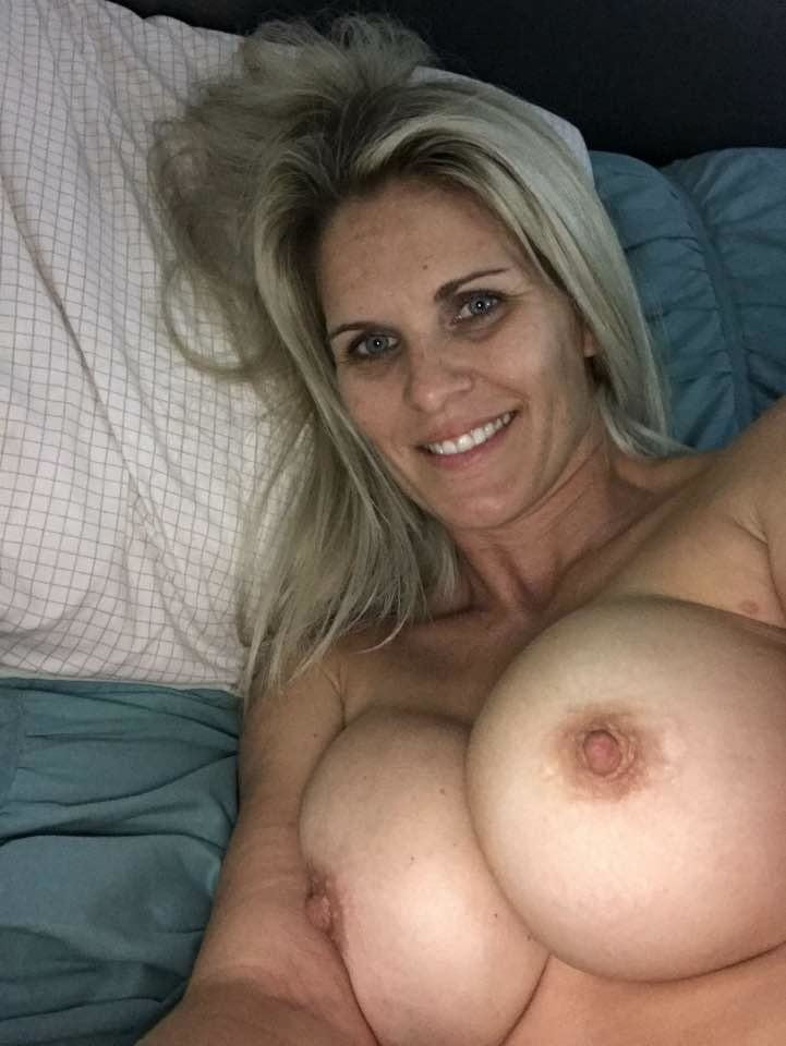 Sexy Slutty MILF With Big Tits Knows How To Please Cocks- 36 Pics