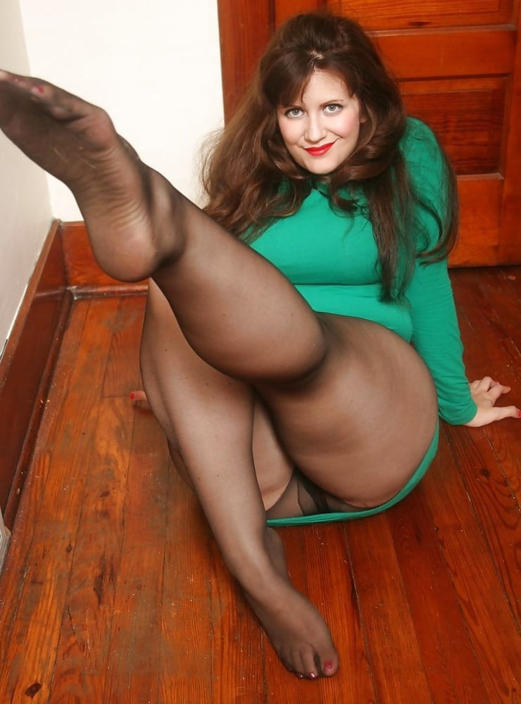 the-sexy-mature-women-in-panty-hose